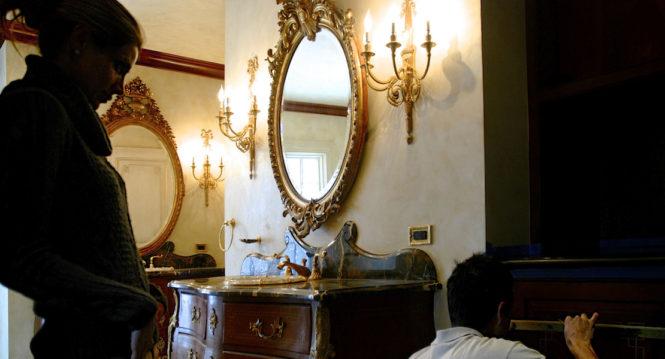 Feminine design in bath decorative
